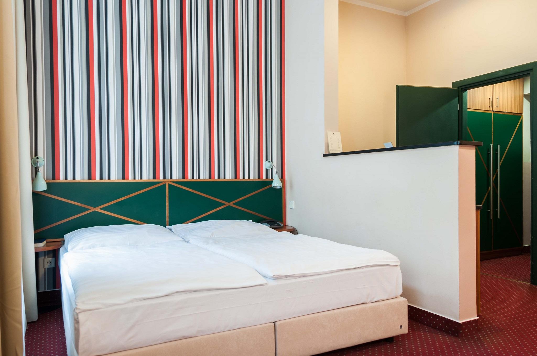 Pokoj standard praha mal strana obr zky hotelov ch pokoj for Hotel residence mala strana tripadvisor